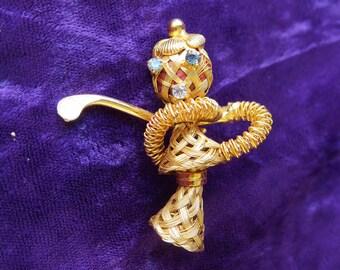 broche semi-moderne, strass blanc bleu et métal doré, joueuse de golf, semi-modern brooch,white blue rhinestone & gold metal, golf player