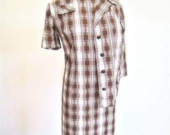 L XL 60s 2pc Suit Dress Set Jacket Brown White Plaid Mod Searsucker Cotton Jackie O Shift Mad Men Mendel Extra Large