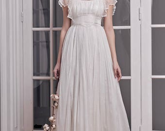 Boho mousseline silk wedding dress, with chantilly lace