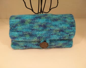 Clutch holder coin felted wool