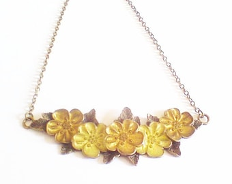"Romantic dainty necklace ""guirlande de fleurs"""