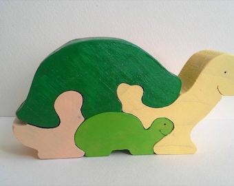 Green Turtle and her little wooden puzzle