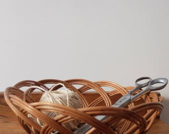 Vintage 70s wicker basket