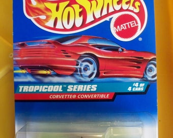 1997 Hot Wheels** Classic Red Card Series ** Tropicool Series CORVETTE** New In BoX! #696**Free Shipping**