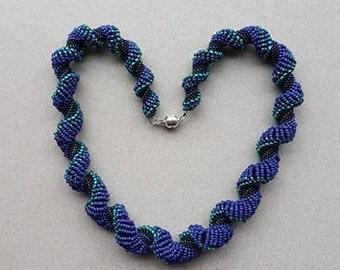 Dutch Spiral Graduated Necklace (Navy blue and aqua)