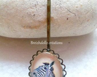 Bronze cabochon clip Zebra shirt
