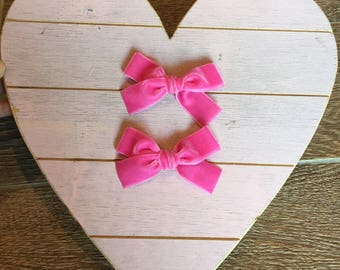 HOT PINK hand tied velvet bow for babies, toddlers and little girls. Valentines day hair clip or nylon headband• piggy set•
