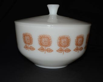 FEDERAL GLASS, Federal Glassware, 2.5 QT, Sunflower ( Brown Flowers ),Covered Casserole, Mixing Bowl, Serving Bowl, Milk glass, Vintage