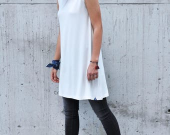 Sleeveless Tunic, Minimalist Tunic, Sleeveless Top, Loose Top, Mid-Length Tunic, White Tunic, Tank Top, Elegant Top to Combine