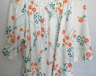 1970s Women's Lady O, Multi color, polyester, short sleeve Blouse