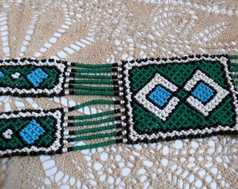 Native American necklace with vintage seed beads