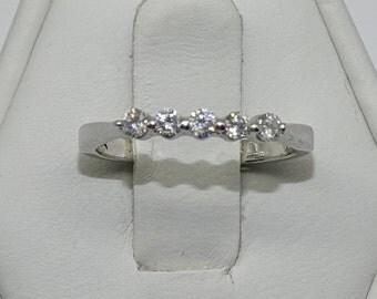 14K Diamond Ring .Diamond 0.15ct