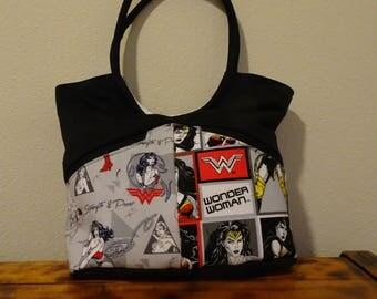 Wonder Woman Bella Bag