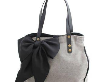 Handbag in grey and black bow