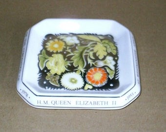 Wedgwood Susie Cooper Queen Coronation Jubilee Square Dish