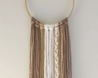 "The ""Beaux"" - Simple Yarn Dreamcatcher"