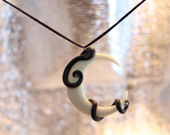 Fluorescent Moonlight necklace