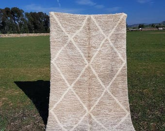 morrocan beni ouarain rug - berber rug  - moroccan rug  -  Dimensions :223 cm x 135 cm