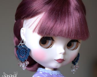 Lace earrings for Blythe or similar doll.