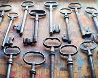 Fifteen Large Antique Skeleton Keys - Wholesale Bulk Vintage Key Lot - Instant Collection