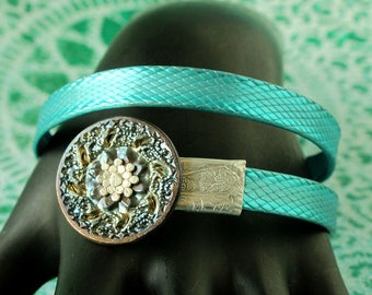 NEW Turquoise Aqua and Silver smashed metal KNITTING needle Bangle with button tips... fun vintage boho GYPSY bracelet - Spiral style