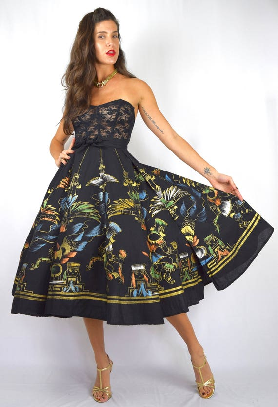 Vintage 50s Hand Painted Mexican Circle Skirt Featuring an Ancient Aztec Ceremonial Scene
