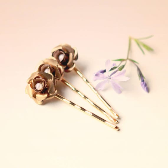Golden pearl flowers, Gold hair pin set, Gold floral flower clips, Gold and pearl flowers, Bobby hair pin set