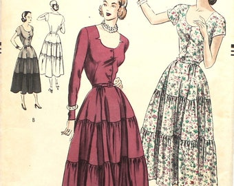 UNCUT Triple Layered 1940's Dress Bust 30 Vogue 6308 Vintage Sewing Pattern