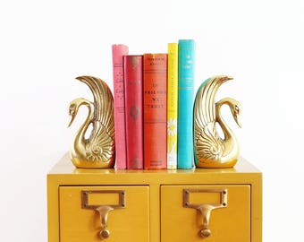 Mid Century Brass Swan Bookends / Mid Century Modern Brass Bookends / Hollywood Regency Brass Swan Bookends / Art Deco Bookends