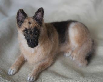 Needle Felted German Shepherd, Wool Pet Portrait