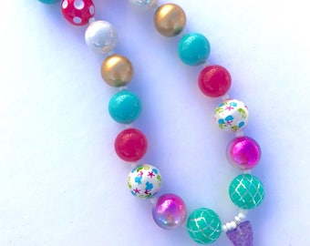 Purple and blue Mermaid tail necklace. Colorful bubblegum bead necklace. Glitter jewelry. Valentine's gift. Gifts for girls. Mermaid party.
