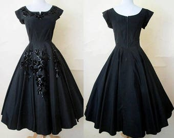 Gorgeous 1950's New Look Black Satin cocktail Party Dress Full Circle skirt sequin and velvet trim Rockabilly Pinup girl size Medium