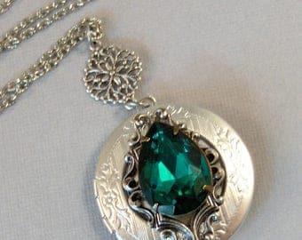 Summer Ivy,Green Necklace,Green Locket,Flower,Silver Locket,Victorian,Antique Locket,Leaf,Branch,Tree,Green,Emerald,Stone,valleygirldesigns