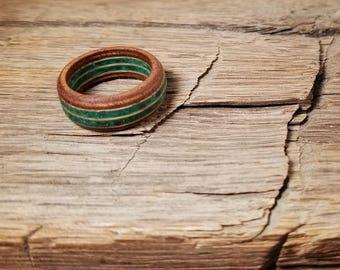 Mahogany & White Oak Wood Ring with Crushed Malachite Gemstone - Size 9 U.S.