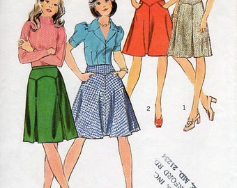 1970s Yoke Skirt Pattern - Vintage Simplicity 6522 - Waist 28 Inverted Pleats or Flared