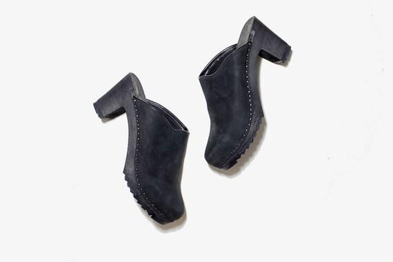 Vintage Wooden Clogs 9 / Black Leather Clogs / Black Leather Mules / Wood Clogs / Swedish Clogs / Platform Clogs / Platform Heels