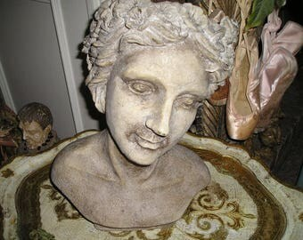 Vintage LG. Gorgeous Lady /Bust Head Vase Sculpted Home Decor Chic Figure Head.