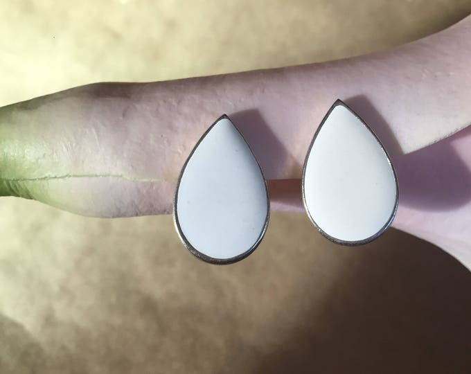 Featured listing image: Enamel Drop Earrings | silver clip on vintage earrings big water tear drop white inlay early 90s vintage big women earrings minimalist