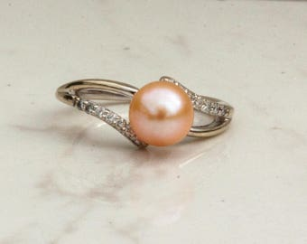 Vintage 10k White Gold Pink Diamond and Peach Pearl Ring, Size 5