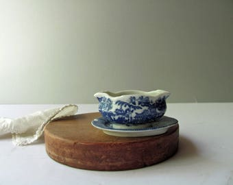 Vintage Blue Willow Gravy Boat & Underplate Blue Willow China Toy Dish Japan Child Dish Play Set Blue Gravy Doll Dishes Play House Kitchen