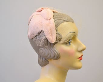 1950s Pink Straw Headband Hat with Netting