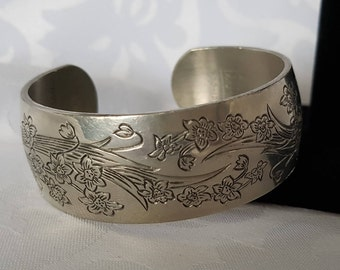 Kirk Pewter Narcissus Bracelet, Kirk Pewter Narcissus Cuff Bracelet, Cuff Bracelet, Floral Bracelet, Bracelet
