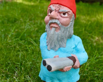 Zombie Gnomes: Quentin the Quarralsome