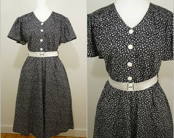 VINTAGE 1980s Black White Ditsy Flower Monochrome 50s Cotton Swing Dress UK 14 FR 42 / Rockabilly /Prom / Summer