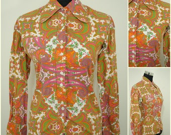 VINTAGE 1970s Funky Psychedelic Pink Green Button Shirt Blouse Top UK 8 FR 36/ Groovy/ Hippy/ Round Penny Collar