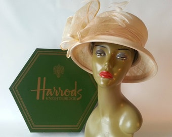 Elegant Peter Bettley Hat and Hatbox from Harrod's of London