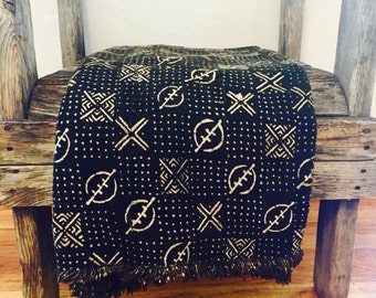 "Black & White Mud Cloth, African Mud cloth, Geometric print mud cloth,Boho style textile, 64""x41"", Hand Made in Mali, African textile"
