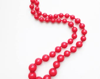 Strawberry Red Vintage Necklace / Bright Red Beaded Statement Necklace / Retro Rad Colorful Vintage Necklace