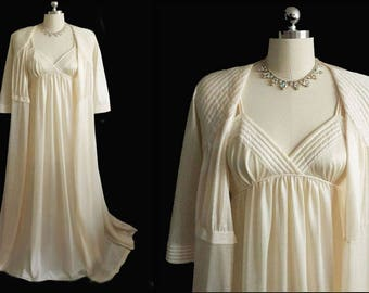 Vintage Val Mode Bridal Trousseau Quilted Peignoir & Empire Style Nightgown in Cornsilk vintage peignoir vintage nightgown val mode peignoir