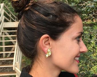 Vintage Ladies Clip-on Yellow Faux Gemstone Earrings.Vintage Ladies Jewelry.Vintage Yellow Earrings.Clip on Earrings.Free Shipping U.S.